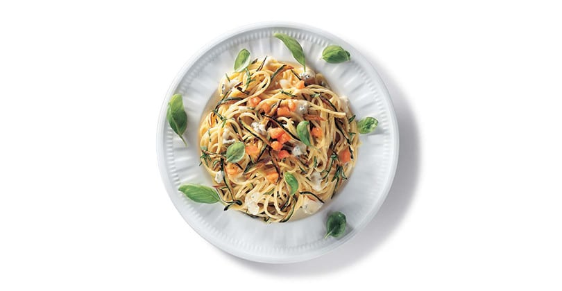 Spaghetti alle zucchine fritte e basilico